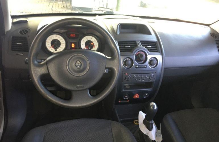Renault Mégane Sedan Expression 1.6 16V (flex) - Foto #4