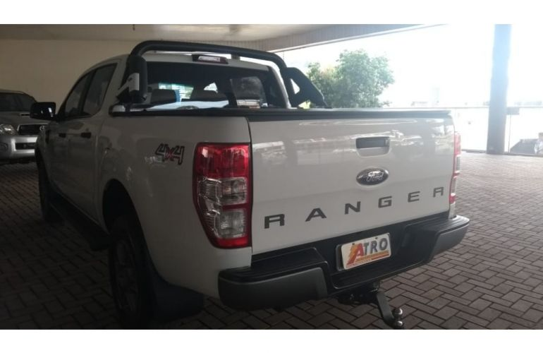 Ford Ranger 2.2 TD XLS CD 4x4 (Aut) - Foto #10