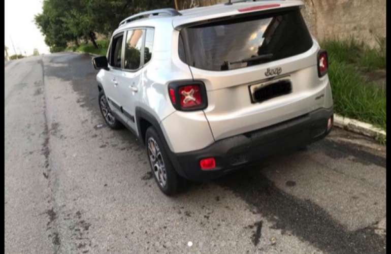 Jeep Renegade Longitude 1.8 (Aut) (Flex) - Foto #8