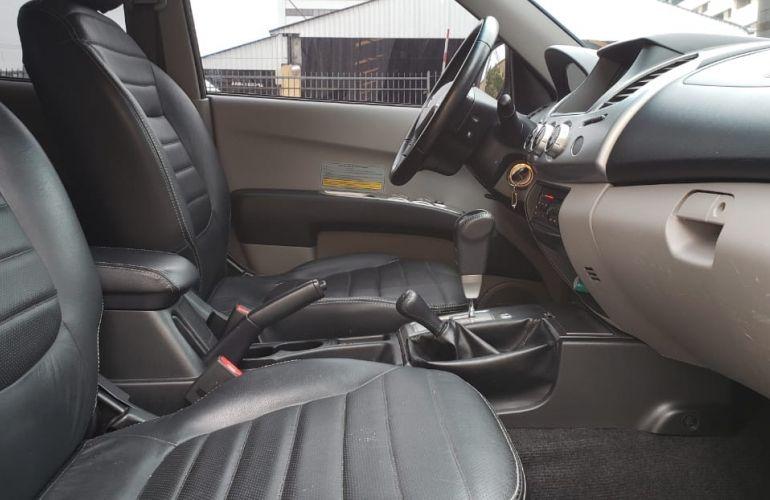 Mitsubishi L200 Triton 3.5 V6 HPE 4WD (Flex) (Aut) - Foto #3