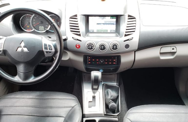 Mitsubishi L200 Triton 3.5 V6 HPE 4WD (Flex) (Aut) - Foto #8