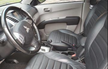 Mitsubishi L200 Triton 3.5 V6 HPE 4WD (Flex) (Aut) - Foto #10