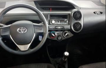 Toyota Etios X 1.3 16V Flex - Foto #4