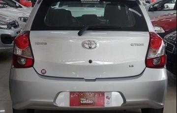 Toyota Etios X 1.3 16V Flex - Foto #5