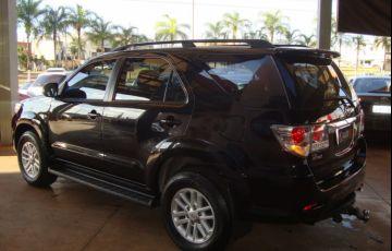 Toyota Hilux SW4 3.0 TDI 4x4 SR 5L - Foto #7