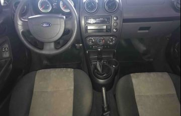 Ford Fiesta Hatch 1.0 (Flex) - Foto #7