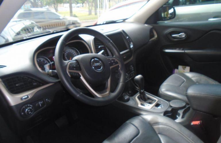 Jeep Cherokee Limited 3.2 V6 - Foto #3
