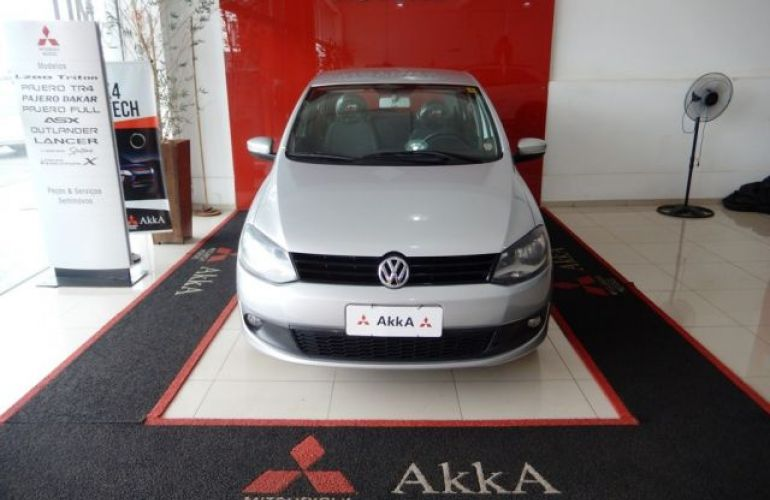 Volkswagen Fox Trend 1.0 Mi 8V Total Flex - Foto #2
