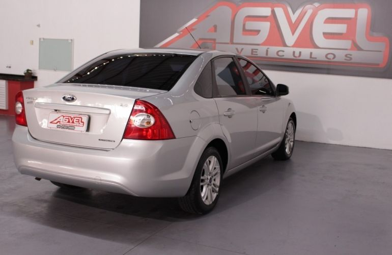 Ford Fiesta Sedan SE 1.6 Rocam (Flex) - Foto #4