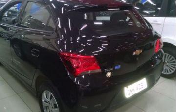 Chevrolet Onix LT 1.0 MPFI 8V - Foto #6
