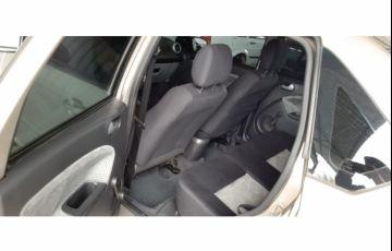 Ford Fiesta Sedan 1.0 (Flex) - Foto #9