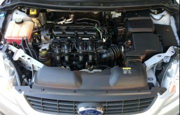 Ford Focus Hatch Ghia 2.0 16V (Flex) - Foto #7