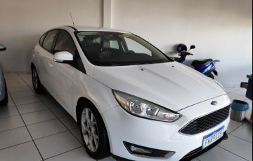 Ford Focus Hatch SE 2.0 PowerShift - Foto #2