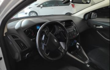 Ford Focus Hatch SE 2.0 PowerShift - Foto #4