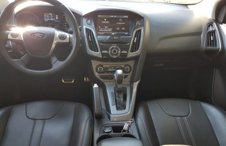Ford Focus Sedan Titanium 2.0 16V (Aut) - Foto #2