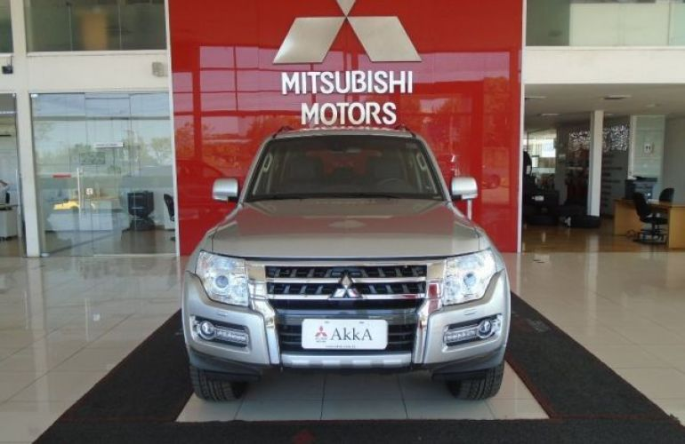 Mitsubishi Pajero Full HPE 4X4 3.2 Turbo Intercooler 16V - Foto #2