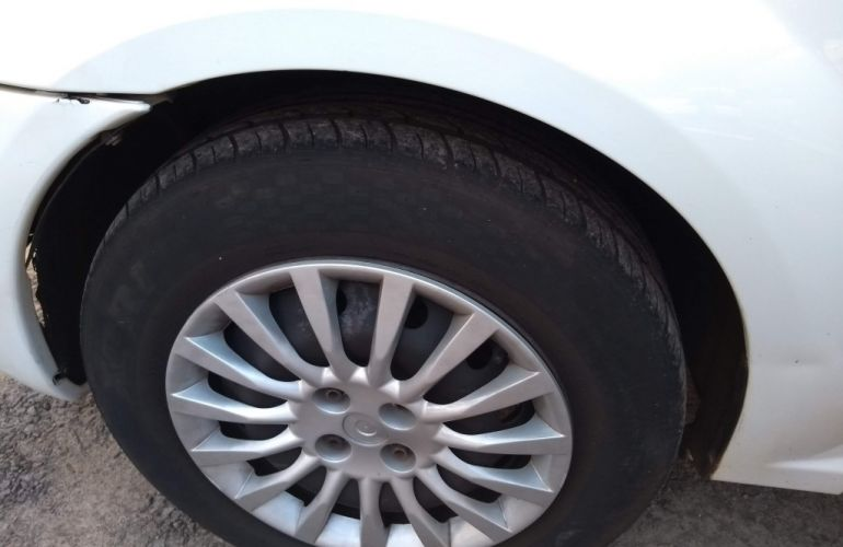 Renault Logan Expression 1.6 8V (Flex) - Foto #7
