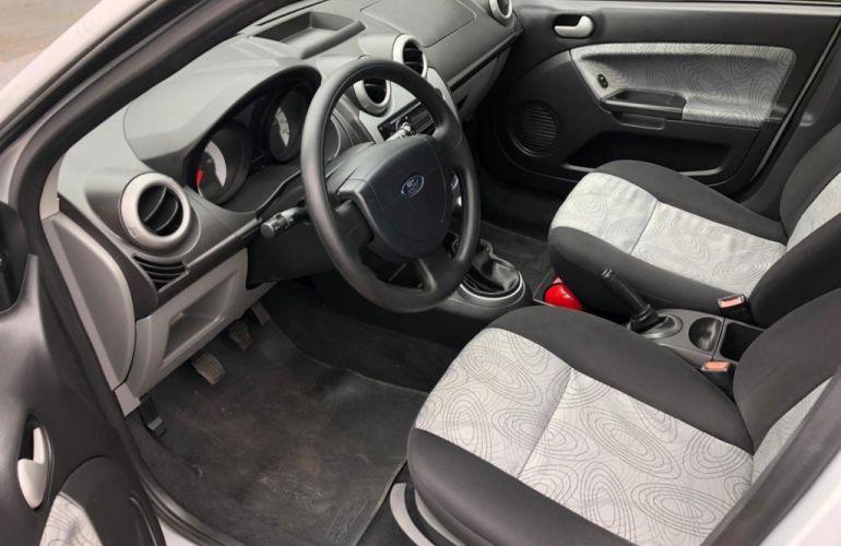 Ford Fiesta Sedan 1.0 (Flex) - Foto #8