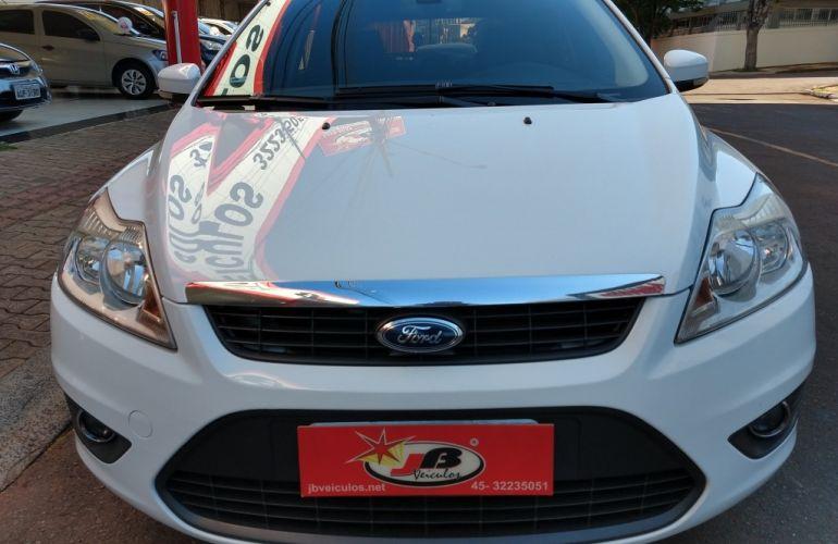 Ford Focus Hatch GLX 2.0 16V (Aut) - Foto #1