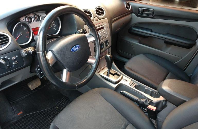 Ford Focus Hatch GLX 2.0 16V (Aut) - Foto #3