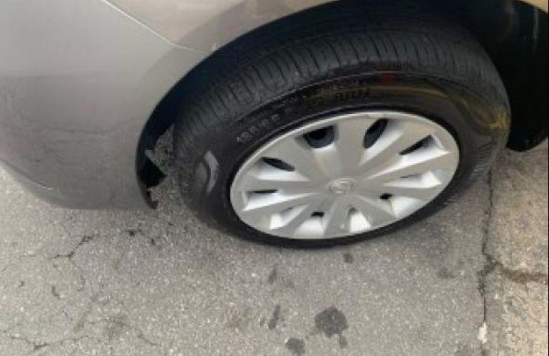 Nissan S 1.0 12v Flex 4p Mec - Foto #6