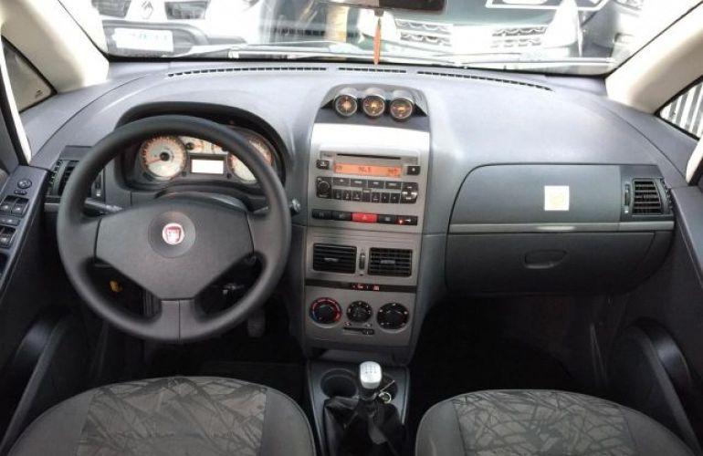Fiat Idea Adventure Locker 1.8 MPI 16V Flex - Foto #7