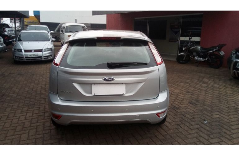 Ford Focus Hatch SE 1.6 16V TiVCT - Foto #5