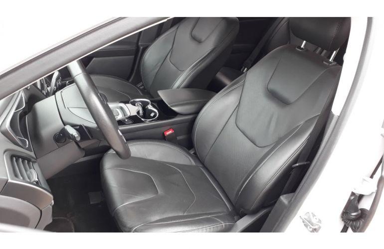 Ford Fusion 2.0 EcoBoost Titanium (Aut) - Foto #5