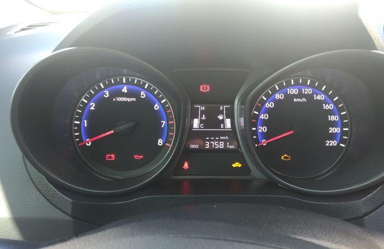 Hyundai HB20S 1.6 Comfort Plus - Foto #9