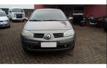 Renault Mégane Sedan Dynamique 1.6 16V (flex) - Foto #8