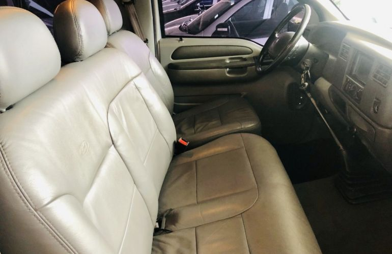 Ford F-250 XLT 4x2 3.9 (Cab Simples) - Foto #9