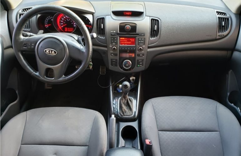 Kia Cerato 1.6 Sx3 16V Gasolina 4p Automático - Foto #2