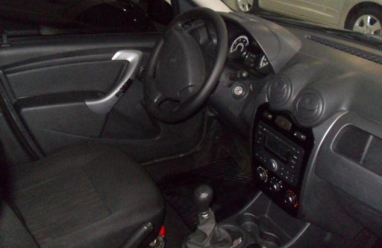 Renault Sandero Authentique 1.0 16V - Foto #5