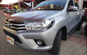 Toyota Hilux 2.8 TDI STD CD 4x4 - Foto #2