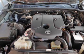 Toyota Hilux 2.8 TDI STD CD 4x4 - Foto #10