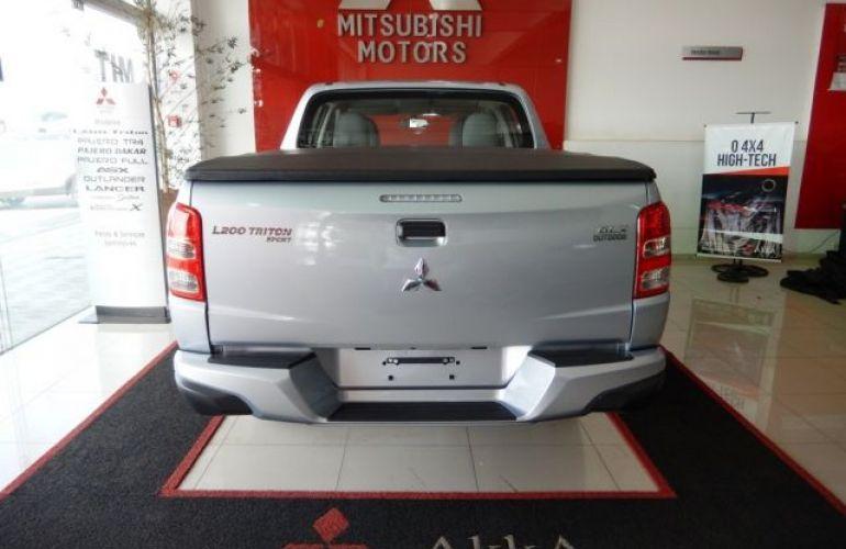 Mitsubishi L200 Triton Sport GLX 2.4 - Foto #5