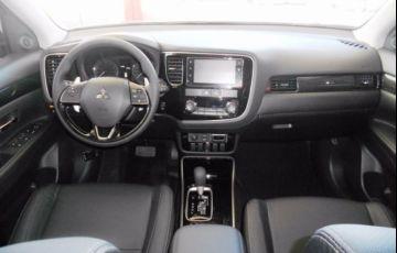 Mitsubishi Outlander GT 4X4 Full 3.0 V6 24V - Foto #9