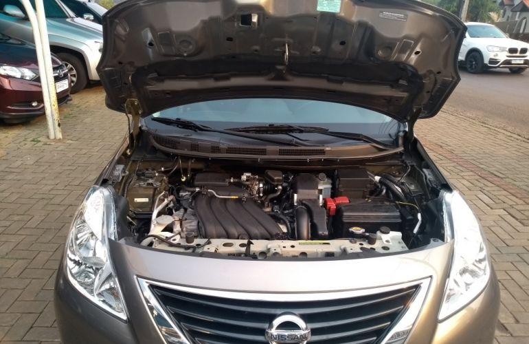 Nissan Versa 1.6 16V SL (Flex) - Foto #10