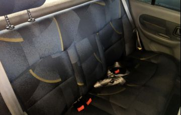 Renault Clio Sedan RN 1.0 16V - Foto #6
