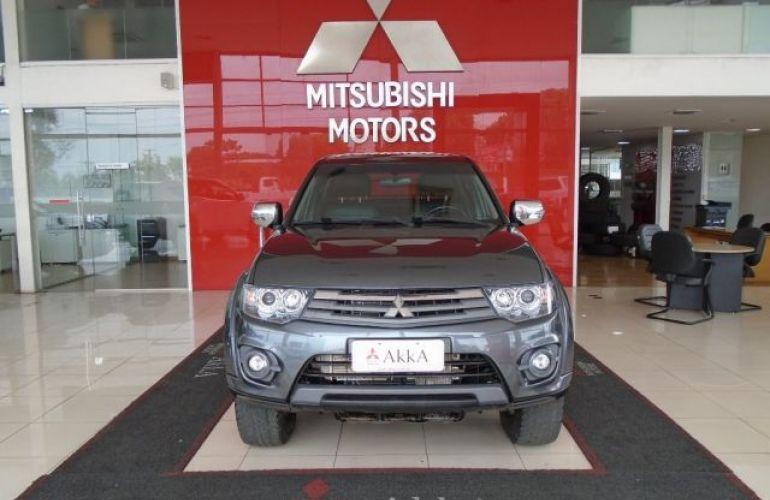 Mitsubishi L200 Triton HPE 4x4 Cabine Dupla 3.2 16V - Foto #2