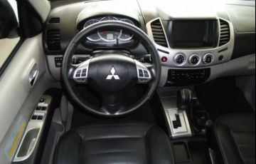 Mitsubishi L200 Triton HPE 4x4 Cabine Dupla 3.2 16V - Foto #7