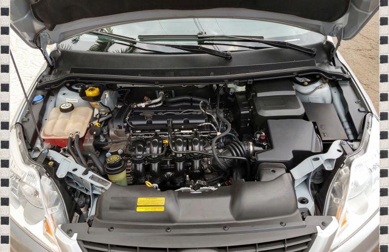 Ford Focus Hatch GLX 1.6 16V (Flex) - Foto #7