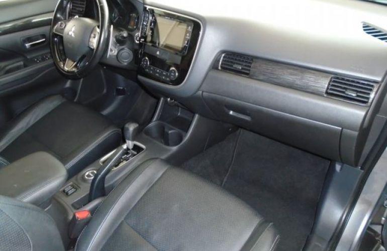 Mitsubishi Outlander DI-D 2.2 16V - Foto #5