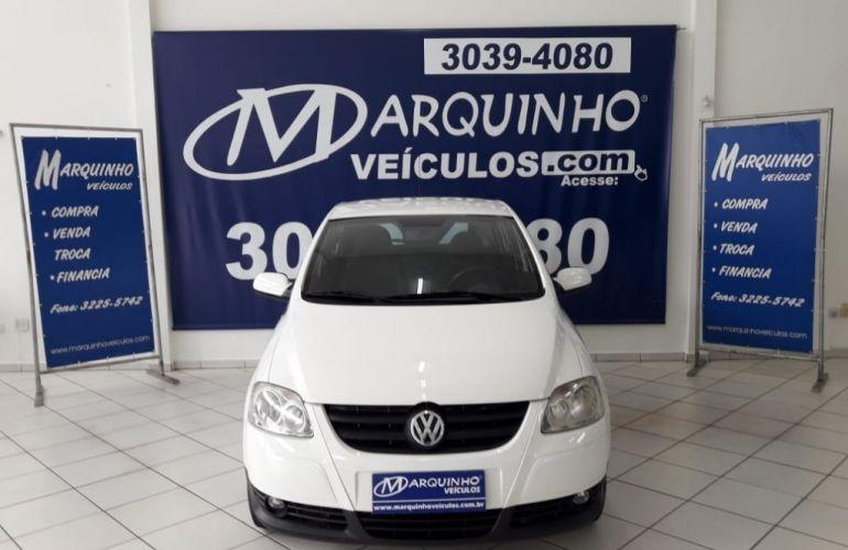 Volkswagen Fox City 1.0 8V (Flex) - Foto #1
