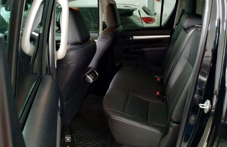 Toyota Hilux 2.8 TDI SRX CD 4x4 (Aut) - Foto #8