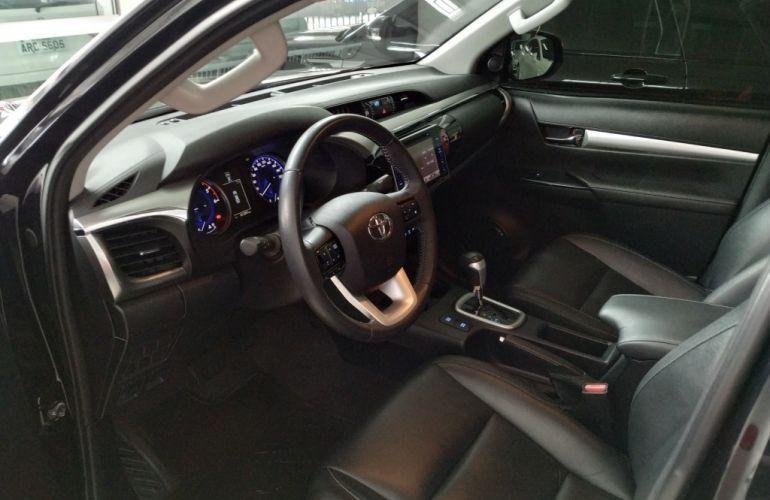 Toyota Hilux 2.8 TDI SRX CD 4x4 (Aut) - Foto #9