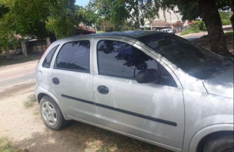 Chevrolet Corsa Hatch 1.0 8V - Foto #3