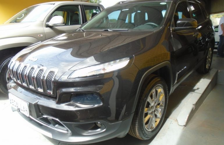 Jeep Cherokee Limited 3.2 V6 - Foto #1