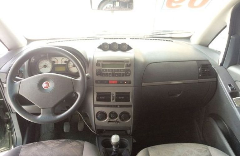 Fiat Idea Adventure 1.8 16V Flex - Foto #3