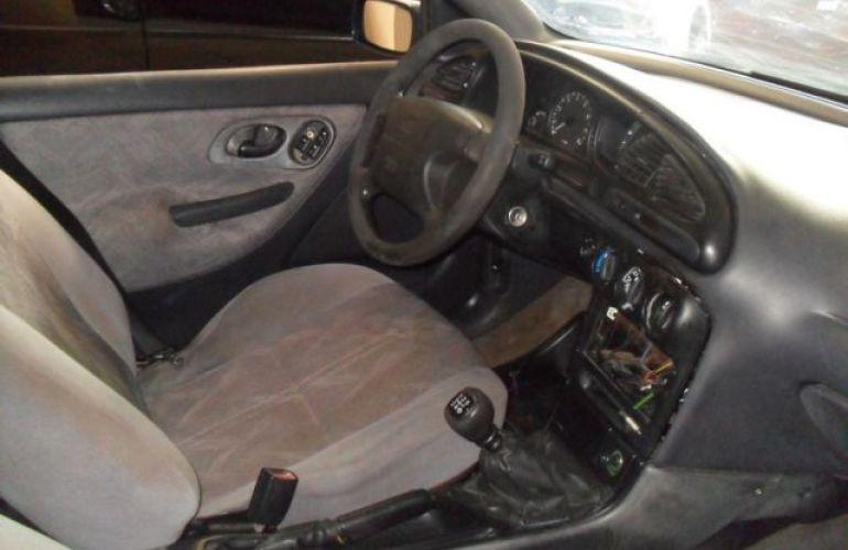 Ford Mondeo CLX 2.0 16V - Foto #5
